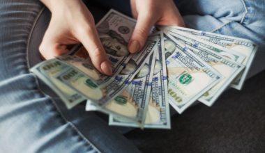 Apakah Karyawan Tetap Yang di-PHK Mendapatkan Uang Pesangon